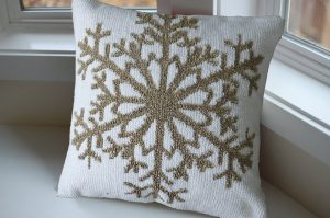 Inis Snow Flake Pillow